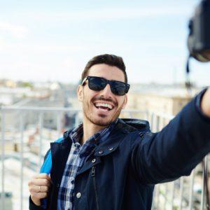 4 Kamera Untuk Vlog Terbaik Yang Bisa Kamu Coba Untuk Mulai Produktif!