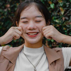 5 Cara Mengecilkan Pipi Tembem Super Ampuh Dan Bikin Kamu Happy!