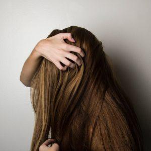 5 Cara Memanjangkan Rambut Secara Alami Paling Mudah Untuk Dicoba!