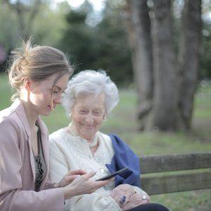 4 Inspirasi Kado Untuk Ibu Yang Paling Bermanfaat Dan Mudah Di Dapat