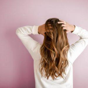 5 Rekomendasi Shampo Untuk Rambut Rontok Paling Top